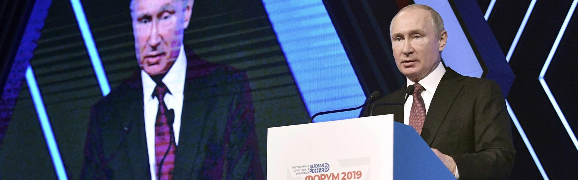 Rus lider Putin, Türk işadamları ve kamyon sürücüleri için vize kararnamesi imzaladı