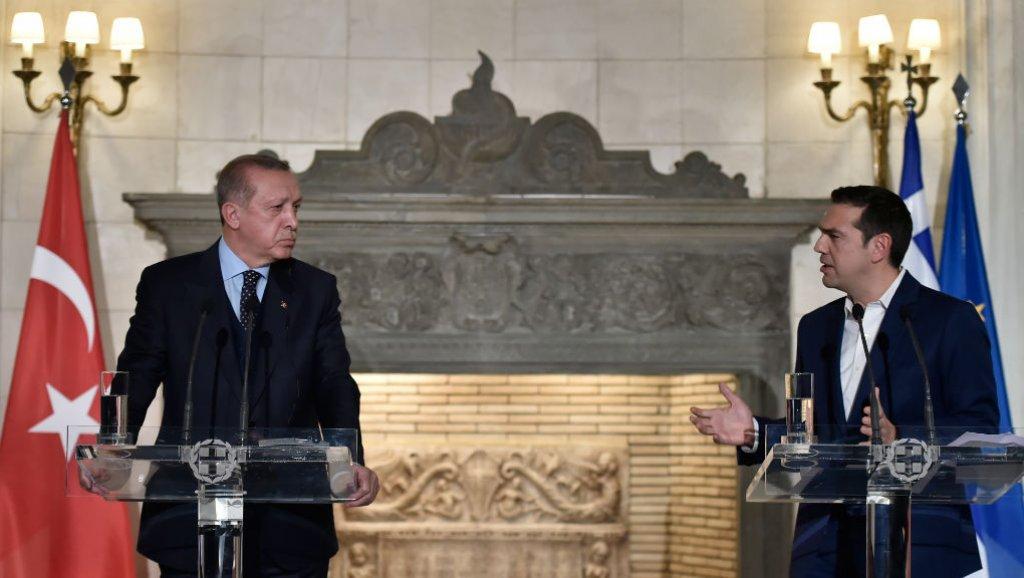 Erdoğan, Tsipras'a yaptığı açıklamada, Türkiye'nin 8 darbe askerinin iadesi konusunda Yunanistan'dan 'daha fazla işbirliği' beklediğini söyledi