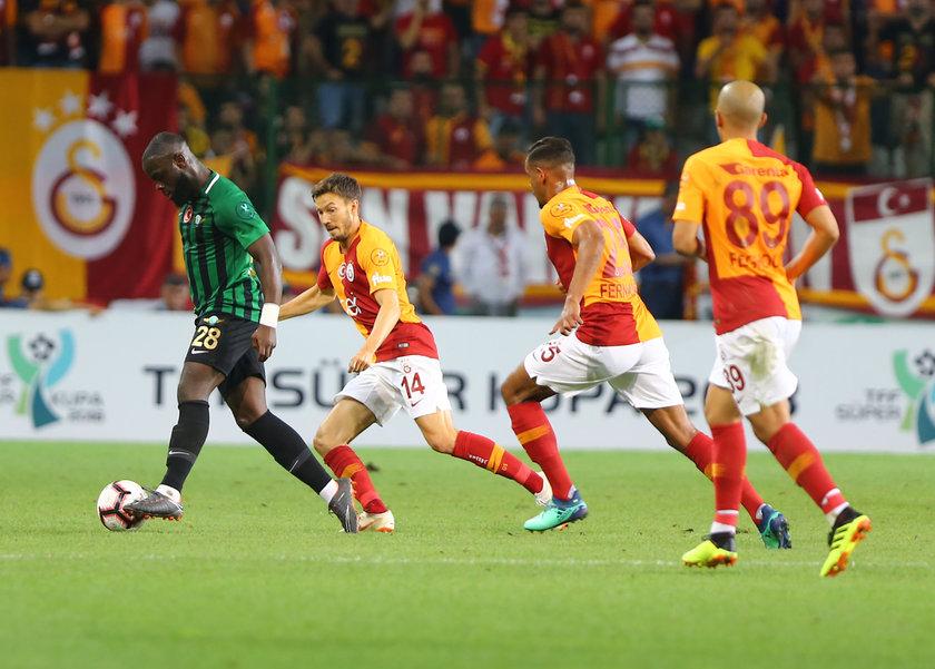 Galatasaray şampiyonluk kredisini sahasındaki dört beraberlikle zora soktu.