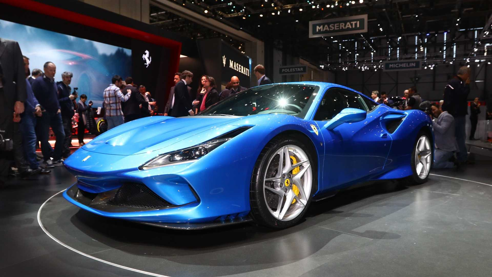 Ferrari'nin yeni modeli F8 Tributo Cenevre'ye geldi