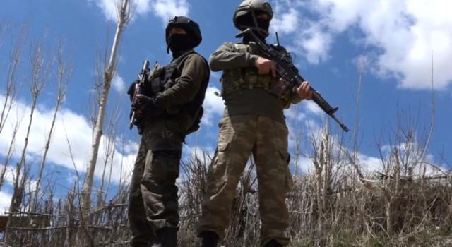 Çukurca'da 2 Asker Yaralı