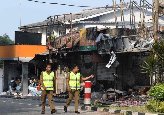 Sri Lanka'da cami ve Müslüman marketine saldırı !
