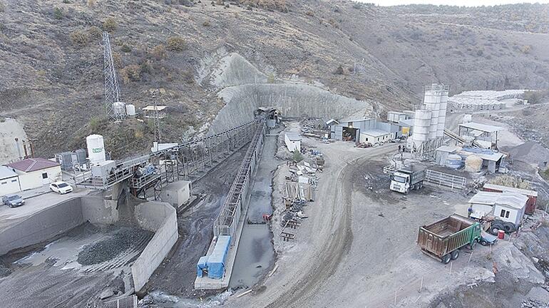 Türkiye'nin en uzun içme suyu tüneli.
