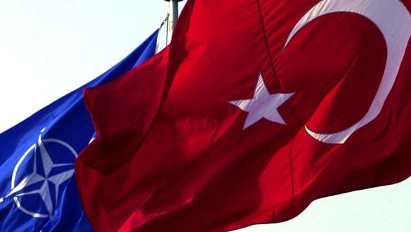 ABD ve NATO , S-400 için Türkiye'ye yaptırım uygulacaklar