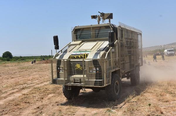 Özgür Suriye Ordusu ilk kez zırhlı araç üretti