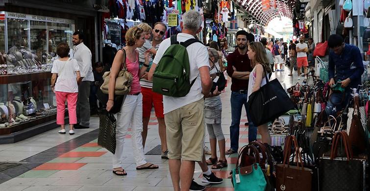 Türkiye'ye gelen turist sayısı düşüyor