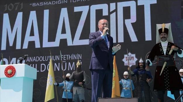 Cumhurbaşkanı : Kara birliklerimiz yakında sınırı geçecek
