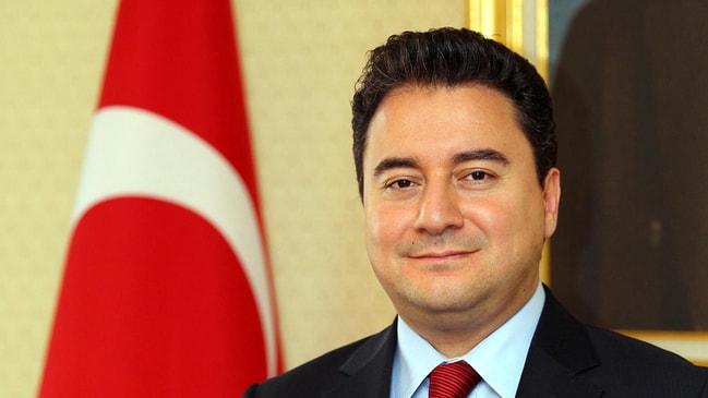 Eski Ekonomi Bakanı Babacan AK Parti'den istifa etti