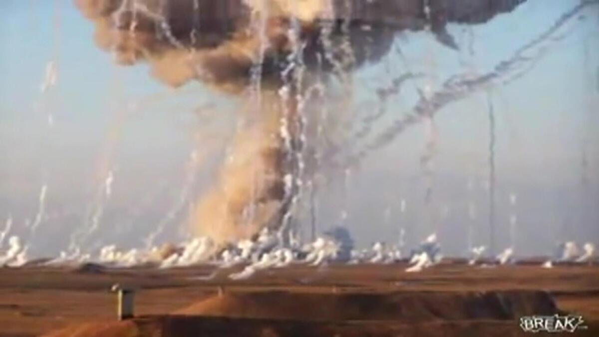 İsrail Gazze'de fosfor bombaları kullanıldı. Bu ne? Kitle imha silahı bu . Bunun sonunda 1400 kadın, çocuk öldü, 5000 yaralı