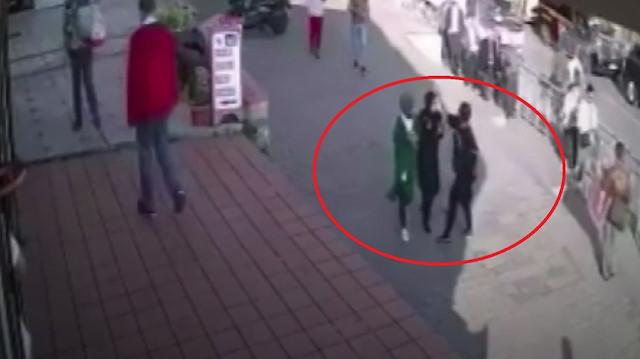 Bakan Soylu: Karaköy'de başörtülü öğrencilere saldıran kadın gözaltına alındı